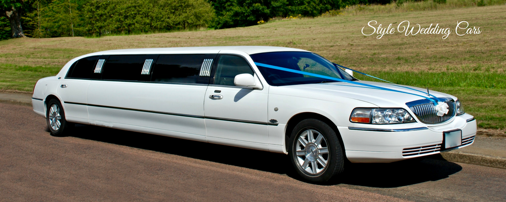 Boasting A Ious Leather Interiors And Smooth Comfortable Ride This Wedding Limousine Offers Clic Look